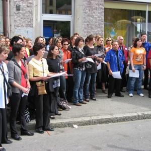 Imeriale-2009-27.06.09-les-2-Choeurs-chantent-dans-la-rue-800x600